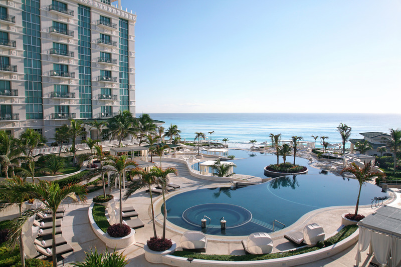 Pool Sandos Cancun Lifestyle Resort