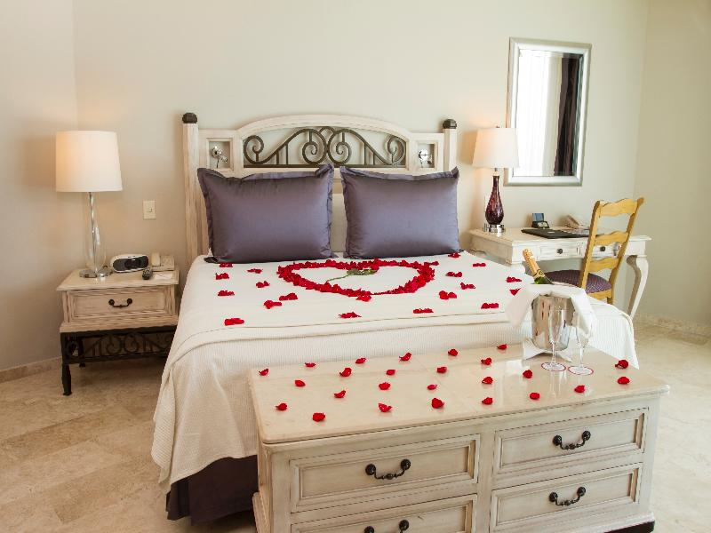 Room Sandos Cancun Lifestyle Resort
