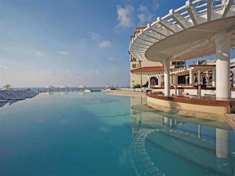 Pool Grand Park Royal Cancun Caribe