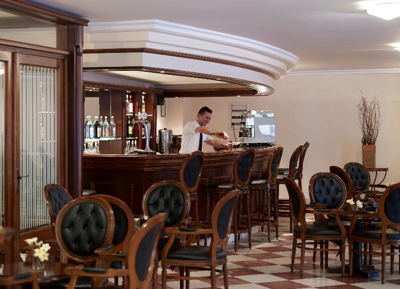 Petit Palais - Restaurant - 17