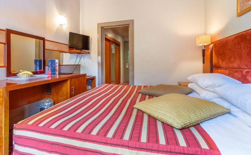 Room La Reserve