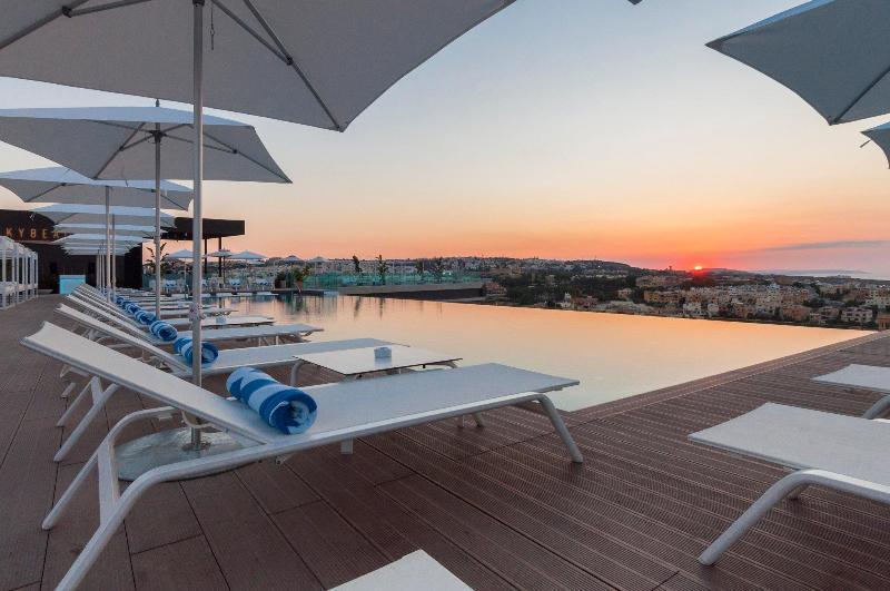 Pool Intercontinental Malta