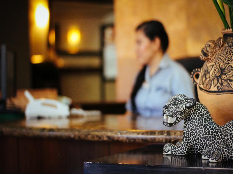 Lobby Surestay By Best Western Palmareca Hotel & Suites