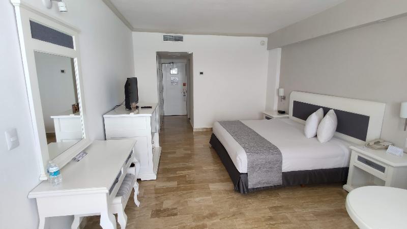 Room Golden Parnassus Resort & Spa All Inclusive