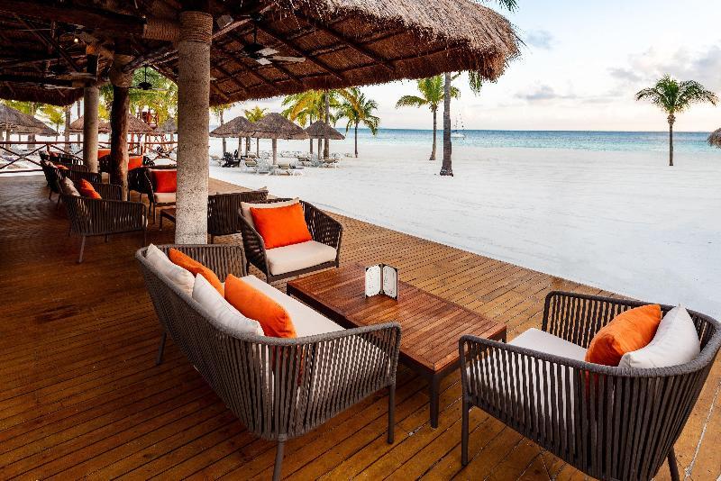 Bar Presidente Intercontinental Cancun Resort
