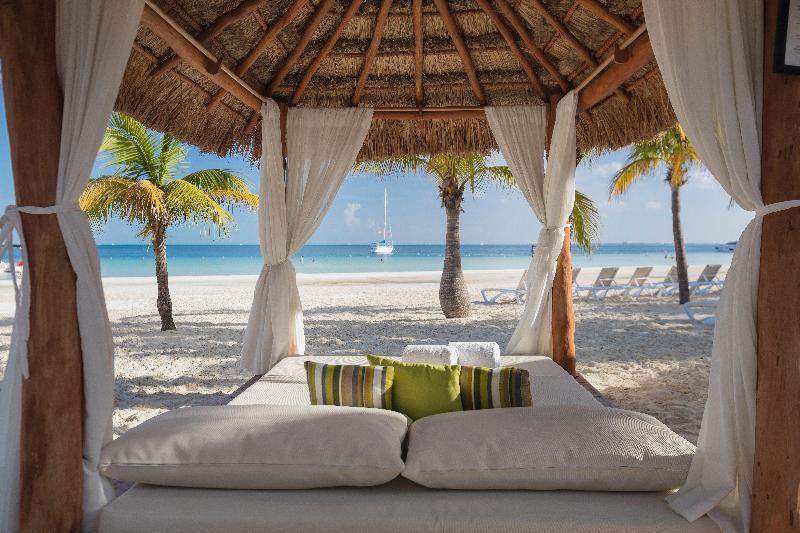 Beach Presidente Intercontinental Cancun Resort
