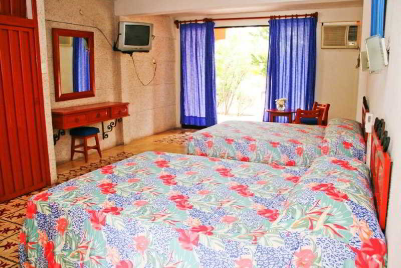 DOUBLE TWO DOUBLE BEDS ONE BEDROOM