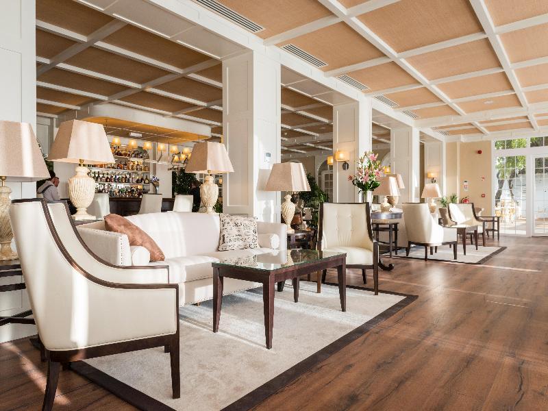 Lobby The Rock Hotel