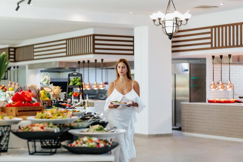 Restaurant Louis Imperial Beach
