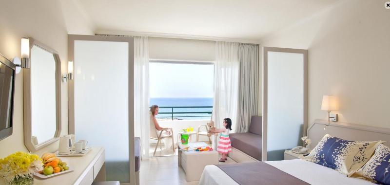 Room Louis Imperial Beach
