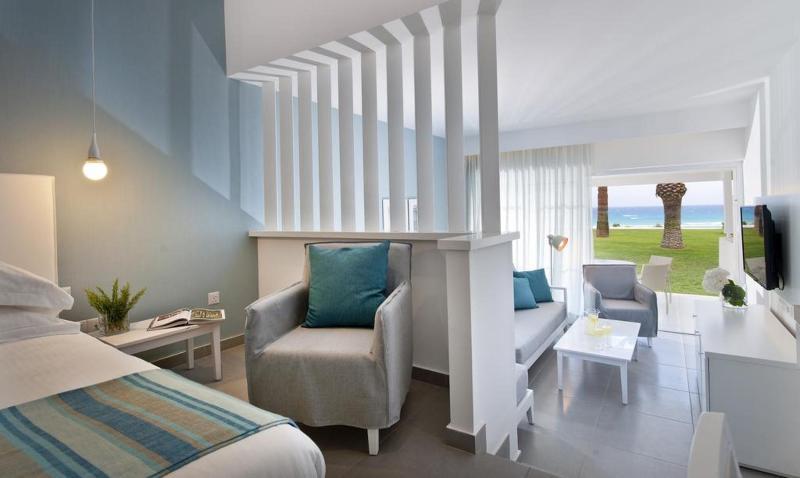 Room Nissi Beach
