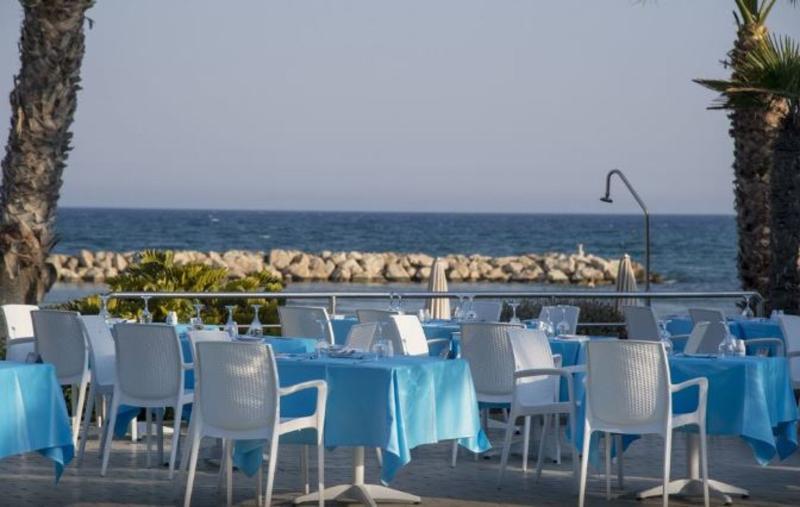 Restaurant Palm Beach Hotel & Bungalows