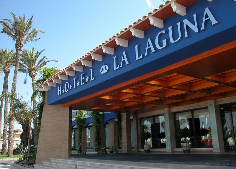 Escapada en el Hotel la laguna spa & golf