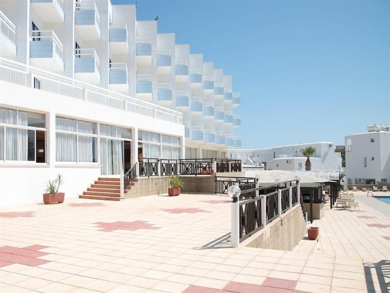 Terrace Polycarpia