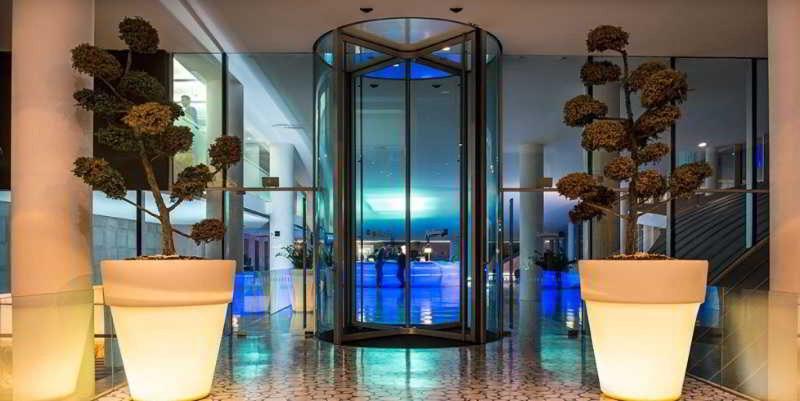 Lobby Radisson Blu Es Hotel
