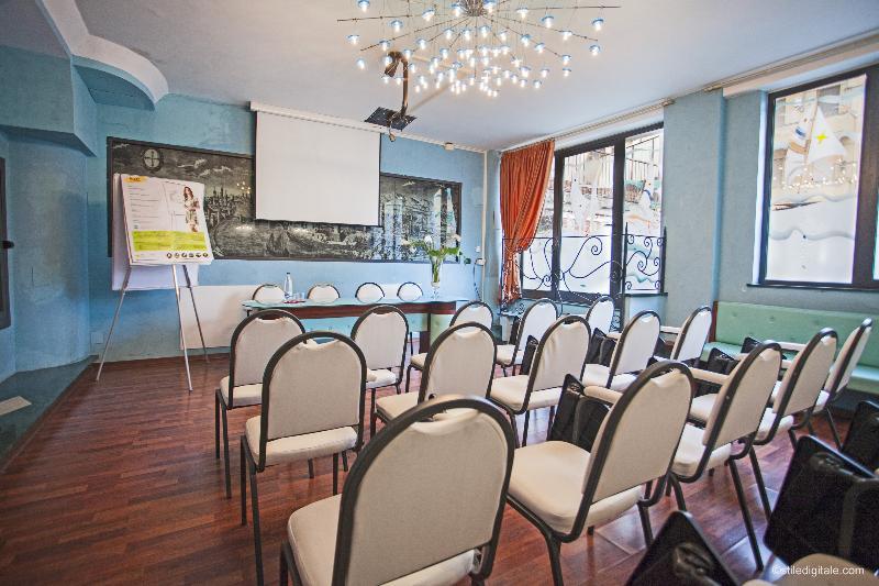 Conferences La Pace