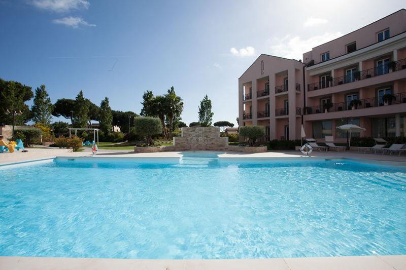 Pool Golden Tulip Rome Airport Isola Sacra