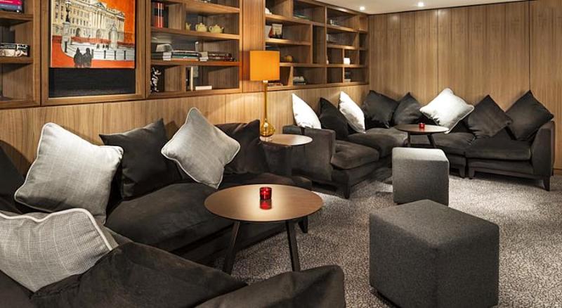 Lobby Park Inn By Radisson London Heathrow