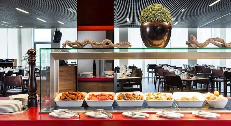 Restaurant Park Inn By Radisson London Heathrow