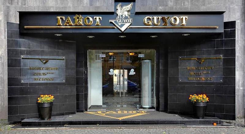 General view Guyot