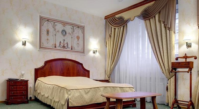Room Guyot
