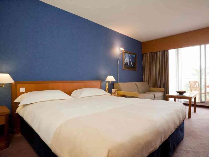 Room Novotel Cannes Montfleury