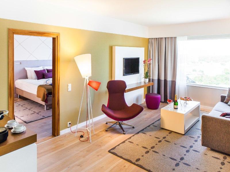 Room Radisson Blu Sky Hotel