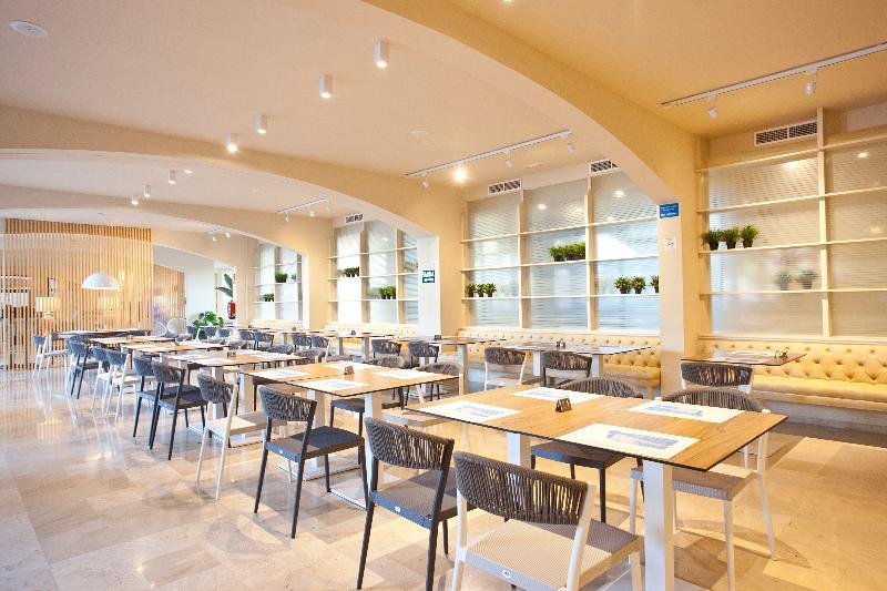 Fortune Resort Central - Restaurant - 21
