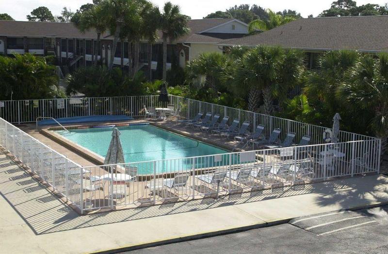 Palm Manor Resort