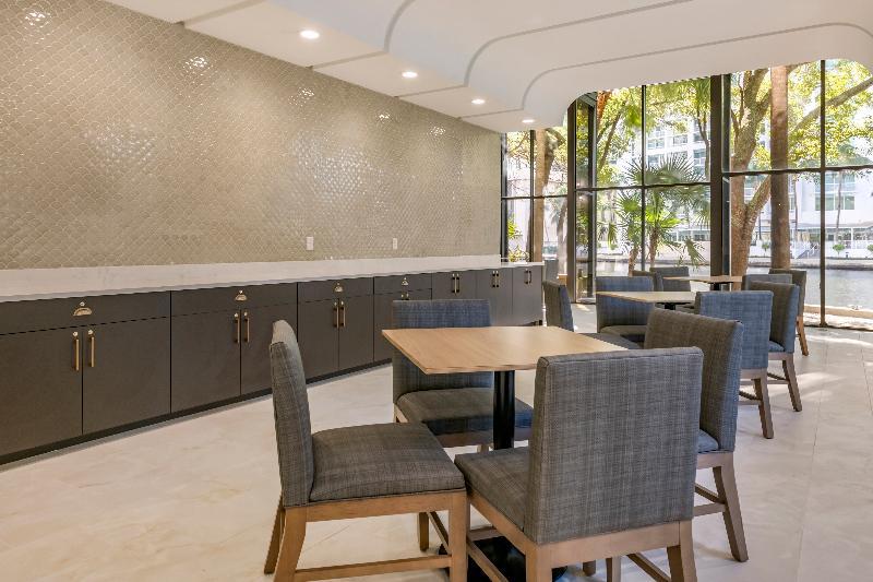 Restaurant River Park Hotel & Suites