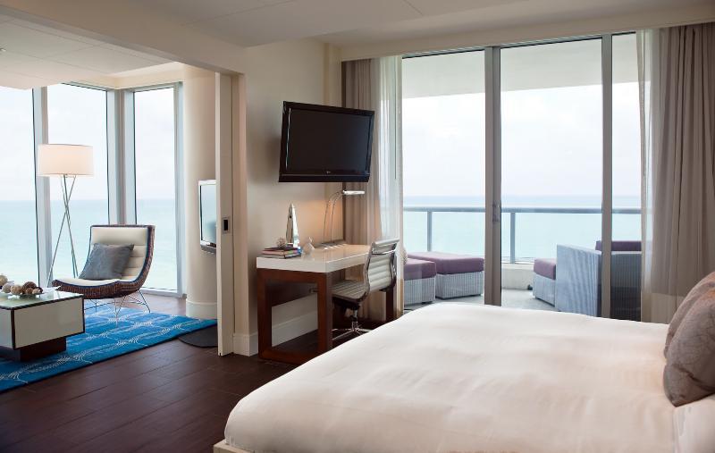 Room Eden Roc Miami Beach