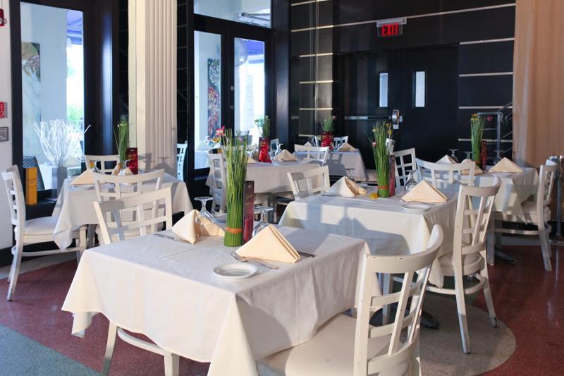 Restaurant Ocean Five Hotel & Studios