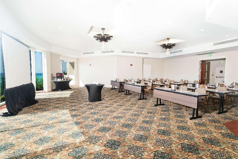 Conferences Doubletree Ocean Point Resort & Spa