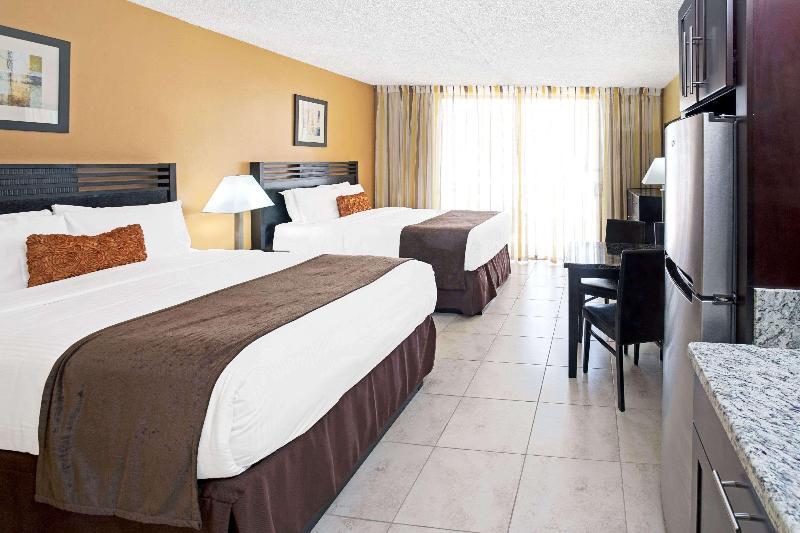 General view Ramada Plaza By Wyndham Marco Polo Beach Resort