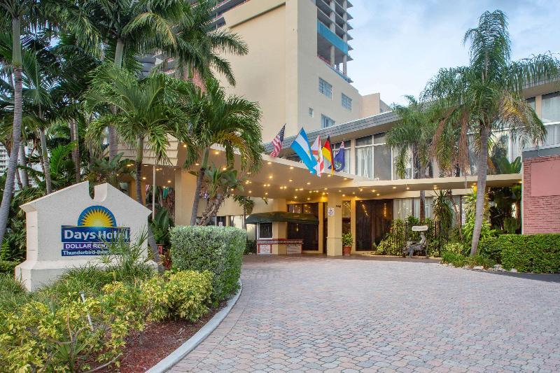 General view Days Hotel By Wyndham Thunderbird Beach Resort