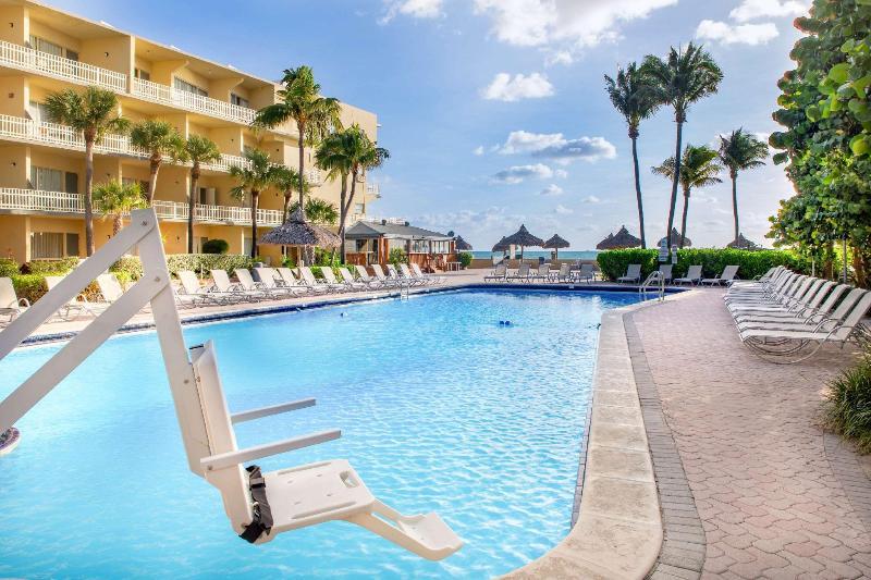 Beach Days Hotel By Wyndham Thunderbird Beach Resort
