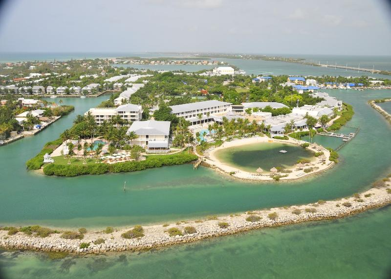 Beach Hawk\'s Cay Resort