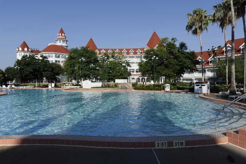 Apartamentos Balear Beach - Pool - 3