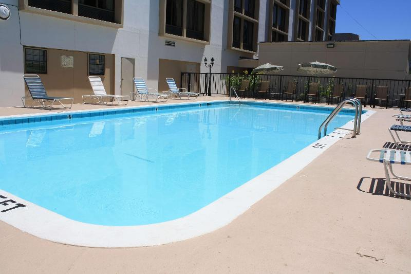 Pool Best Western Plus Music Row