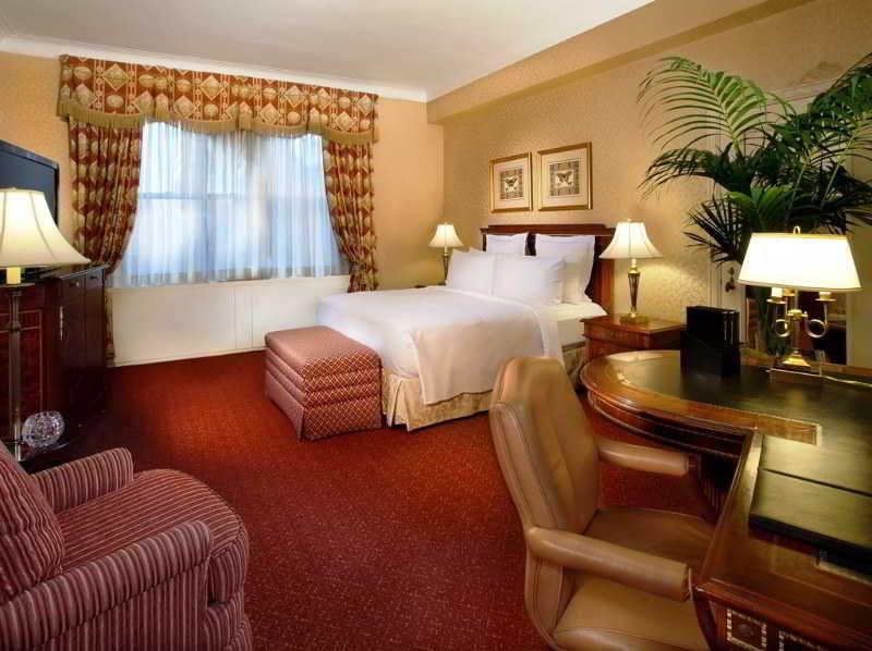 Room Waldorf Astoria
