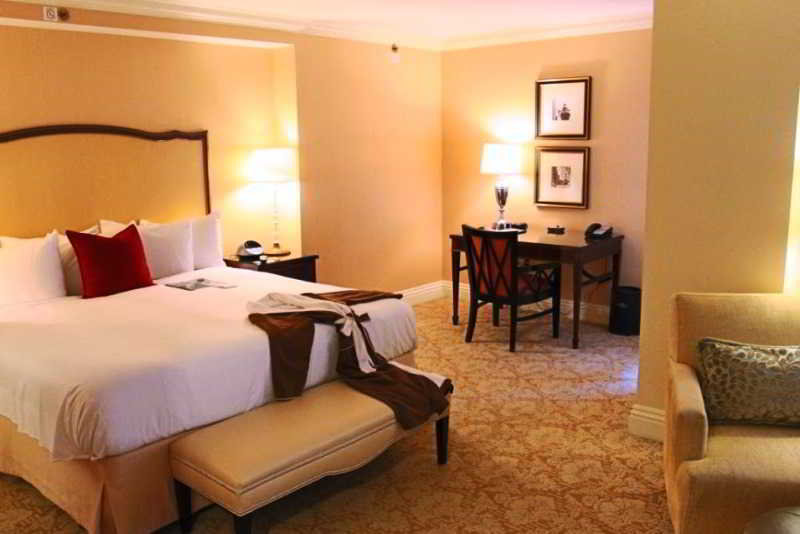 Room The Mayflower Hotel, Autograph Collection