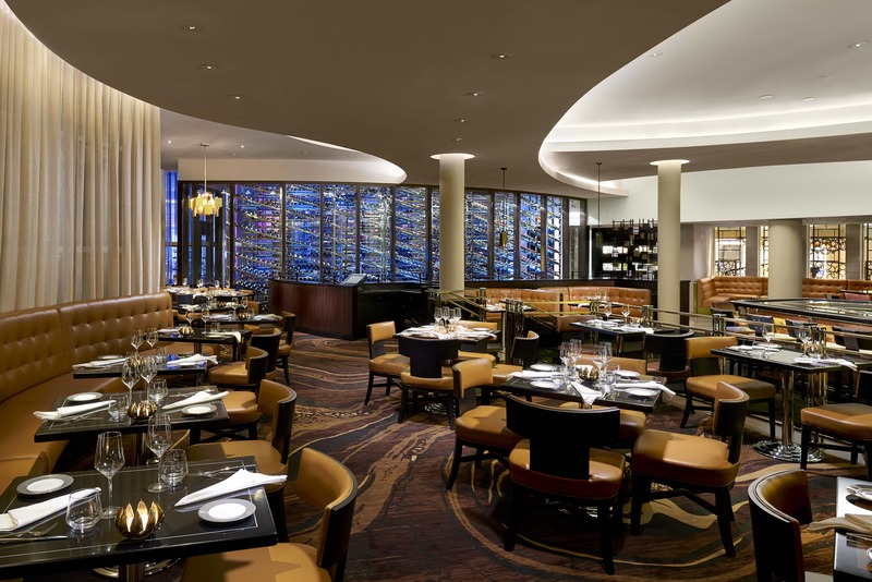 Restaurant Fontainebleau Miami Beach