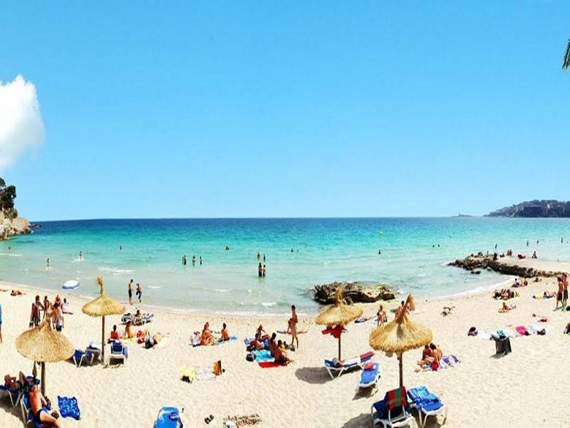 Beach Hotel Joan Miró Museum