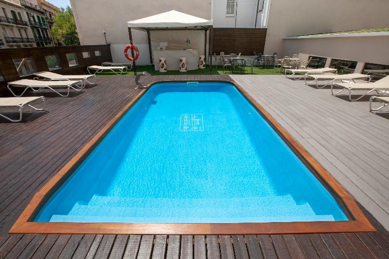 Pool Silken Concordia
