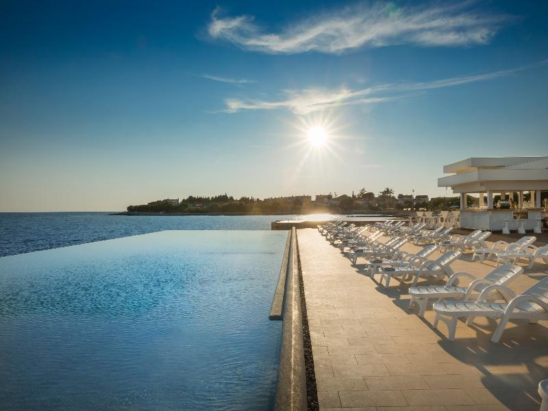 Beach Aminess Maestral Hotel