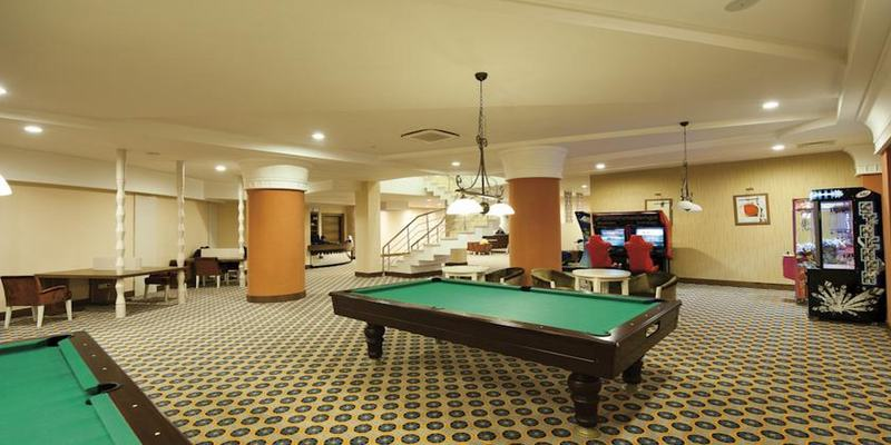 Sports and Entertainment Side Star Resort
