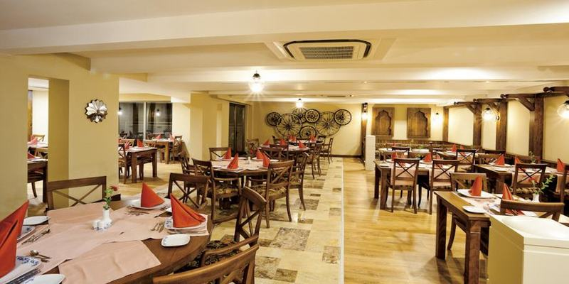 Restaurant Side Star Resort