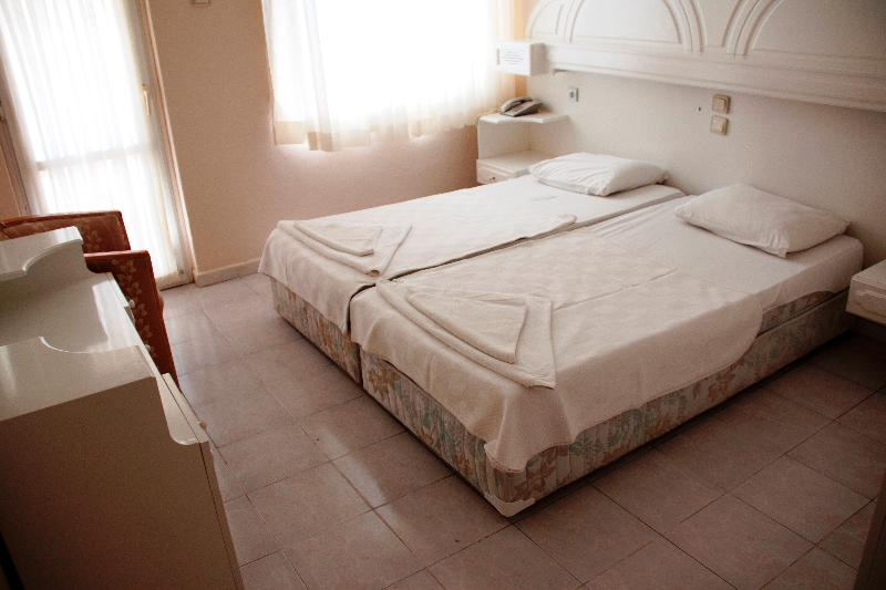 Room Meryemana