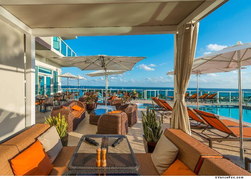 Pool Sonesta Coconut Grove Miami