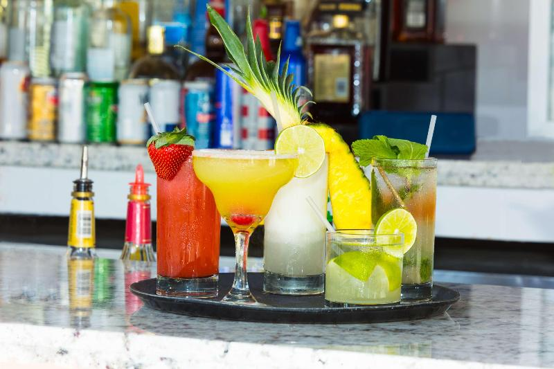 Bar Best Western Plus Atlantic Beach Resort